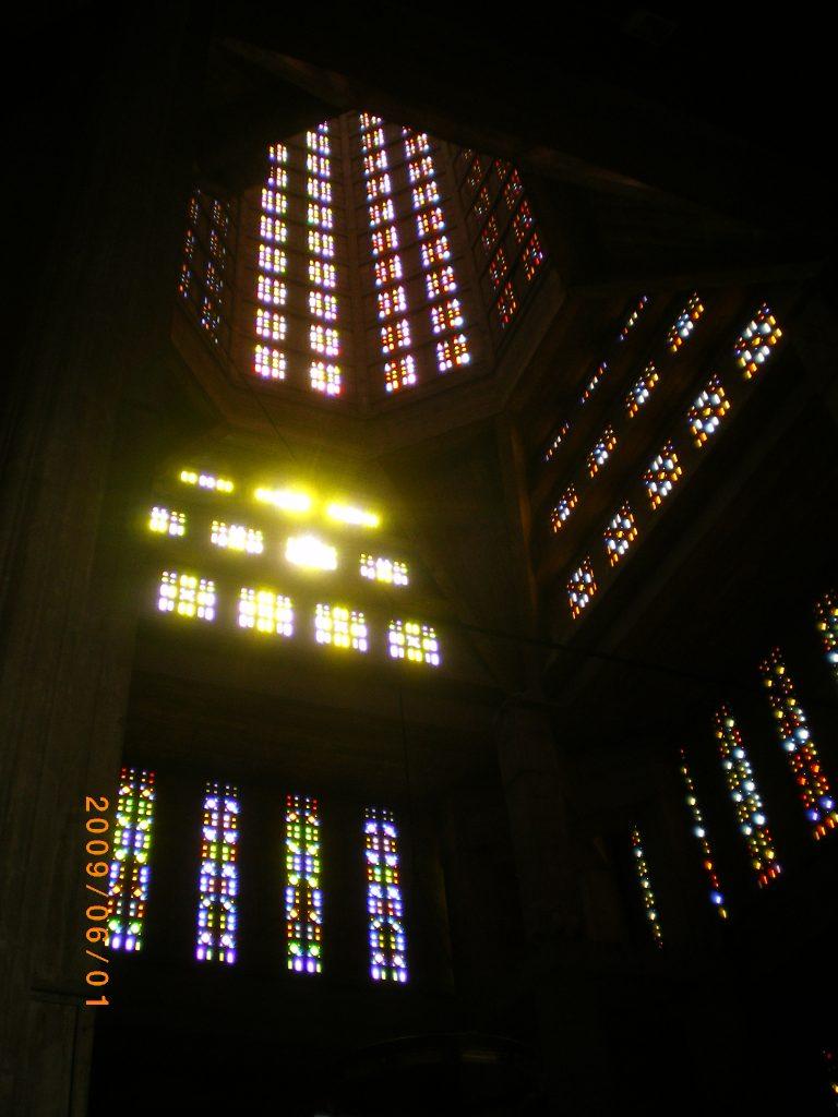 サン・ジョセフ教会内部