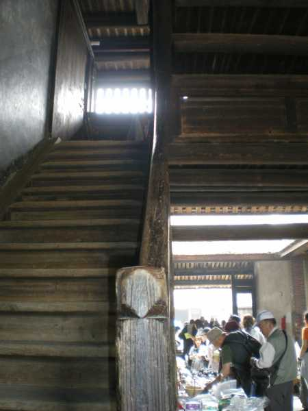 土楼内部の階段