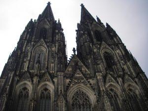 駅から眺める大聖堂